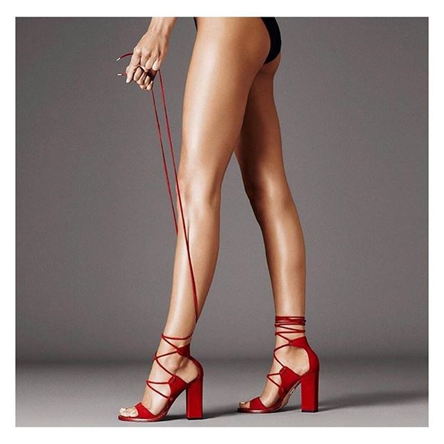 OUR SUMMER FAVE // ❤️ style by @keegansingh at LOWE & CO.  @tamaramellon  #loweandcoworldwide #loweandco #tamaramellon