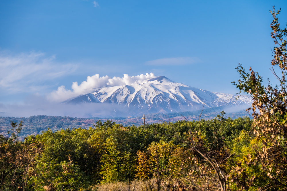 Permanent white steam streaming from Mt. Etna |  ©John Szabo (published by Jacqui Small)