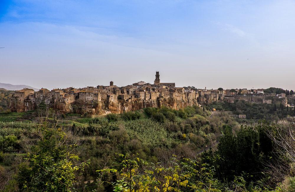 Pitigliano, Tuscany |  ©John Szabo (published by Jacqui Small)