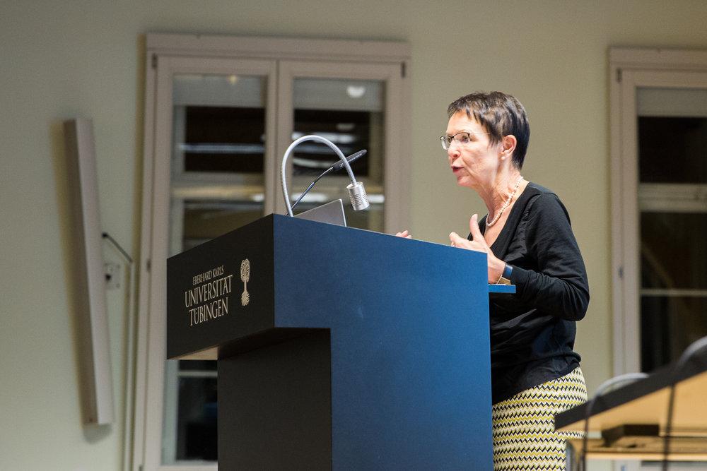 Birgit Sauer spricht über das Verhältnis von Rechtspopulismus und Geschlecht.