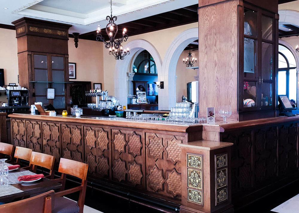 hickorys-restaurant-4-yas-links-abu-dhabi.jpg