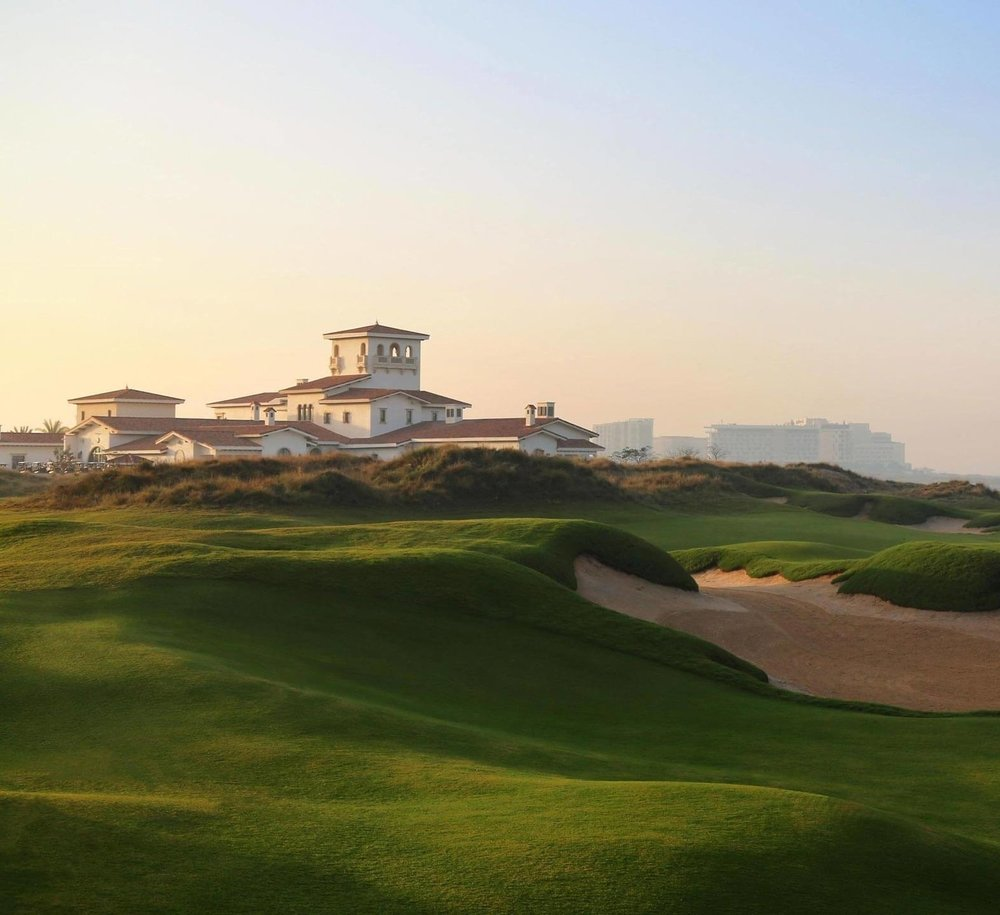 yas-links-1-the-leading-abu-dhabi-golf-club.jpg