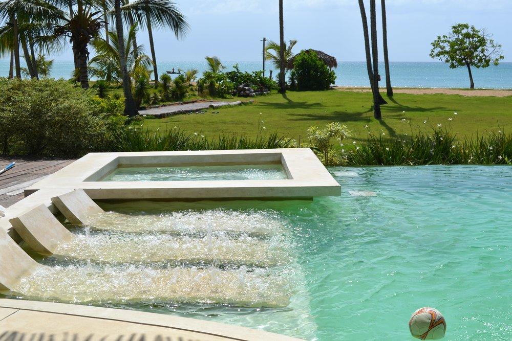 Villa for Sale Las Terrenas jacuzzi in the pool.JPG