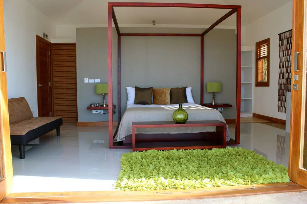 Lovely Villa that Sits on Top of a Small Hill. Incredible and Stunning Views2.jpg