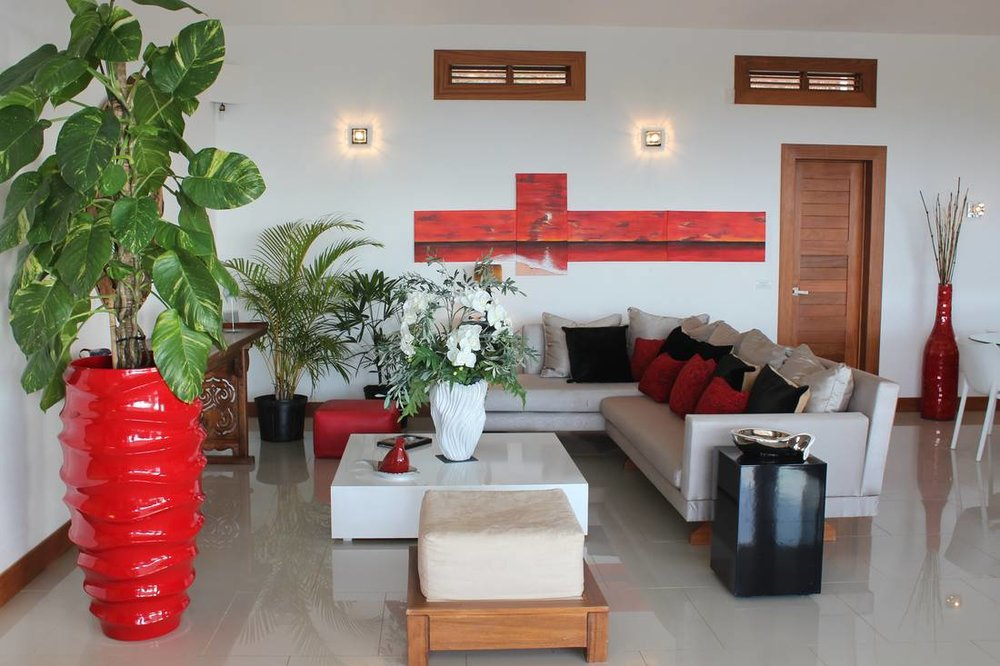 Lovely Villa that Sits on Top of a Small Hill. Incredible and Stunning Views4.jpg