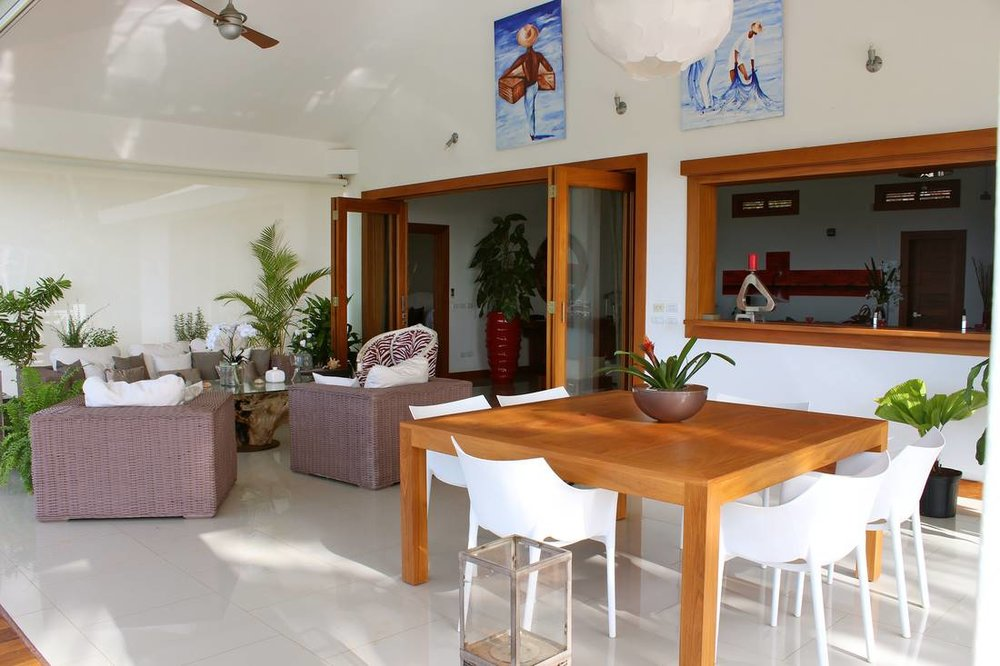 Lovely Villa that Sits on Top of a Small Hill. Incredible and Stunning Views6.jpg