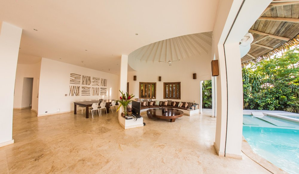 Las Terrenas Villa Ocean Lodge Living tv.jpg