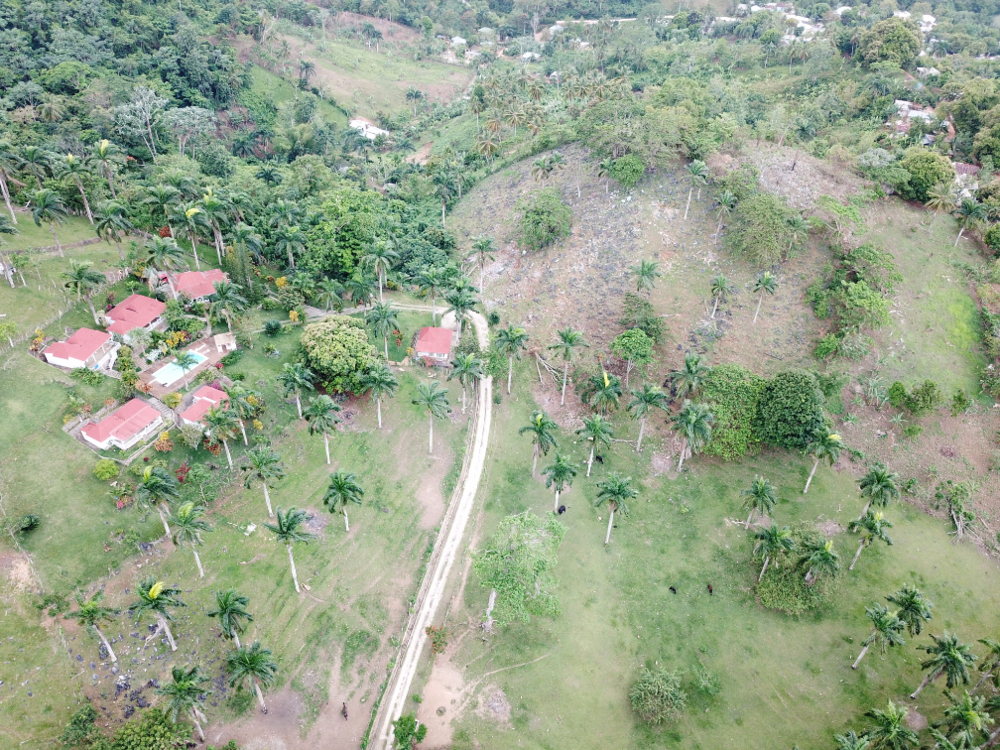 Loma land for sale las terrenas 2.png