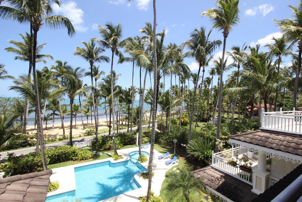 Spacious beachfront apartment in Playa Las Ballenas  in Las Terrenas Real Estate Dominican Republic2.jpg
