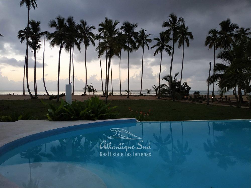 beachfront villa los nomadas for sale 4.jpg
