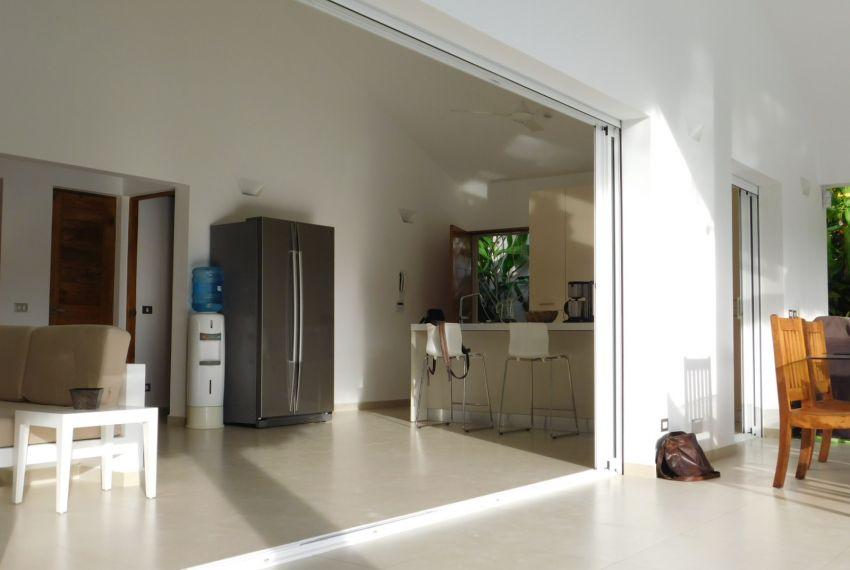 villa-for-rent-near-playa-las-ballenas8.jpg