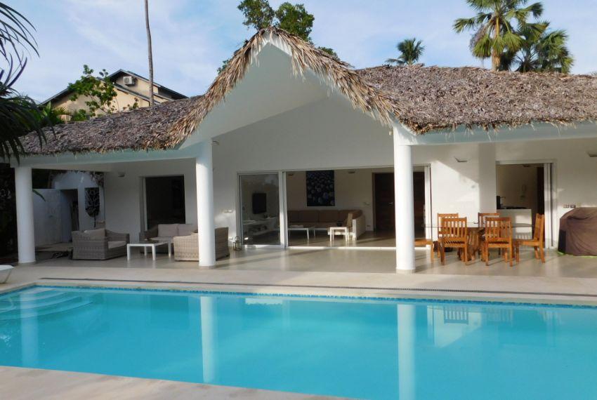 villa-for-rent-near-playa-las-ballenas.jpg
