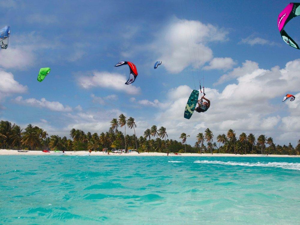 kitesurfing las terrenas.jpeg