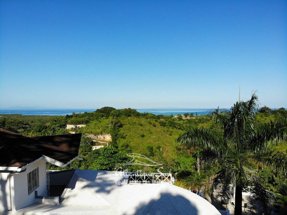 Villa for sale on a hill in Las Terrenas Dominican republic8.jpeg