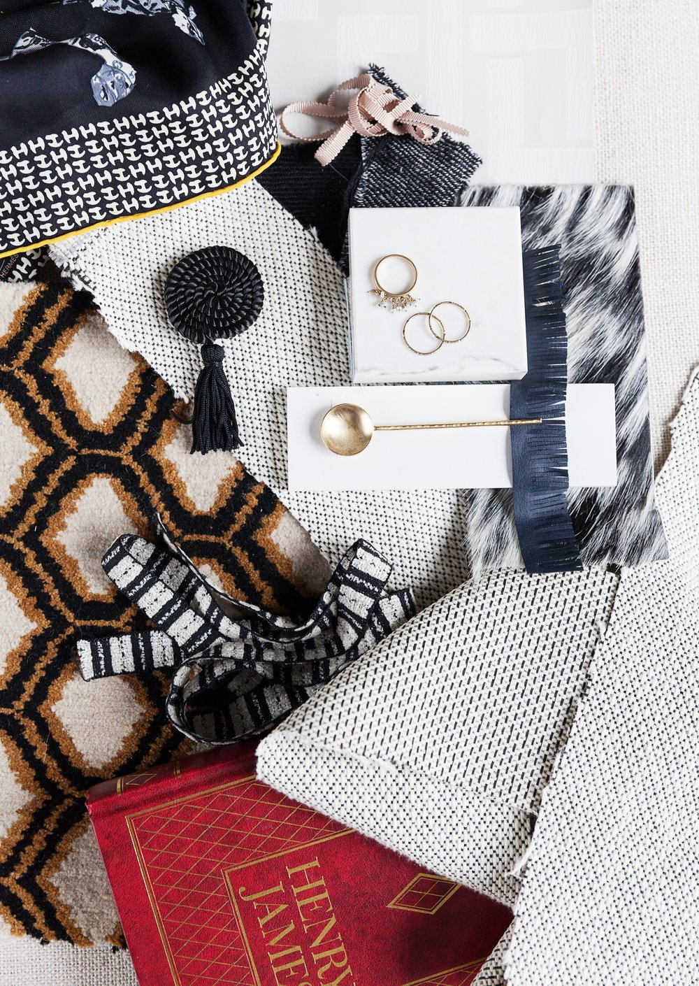 all in the details - With the same approach to styling in the closet as in the home, Scarlet creates spaces that are equal parts luxe and liveable, building unexpected and beautiful personalized interiors from top to bottom.