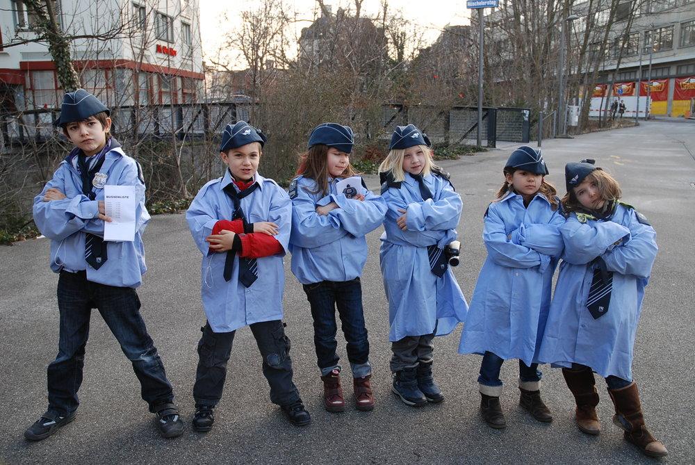 7 kinderpolizei.jpg