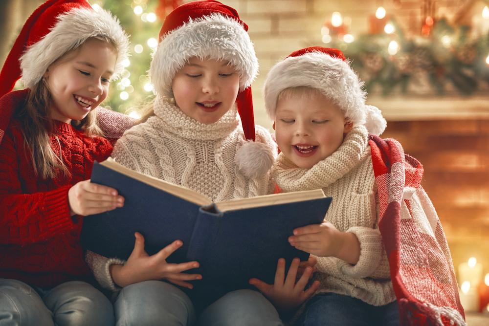 children-at-christmas-PUGQGVB.jpg