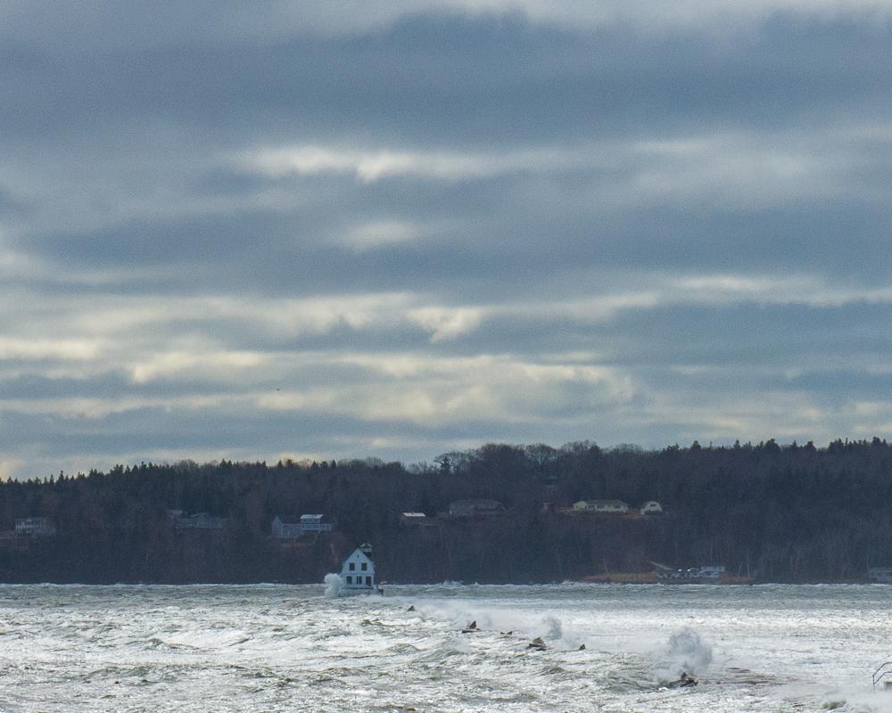 Rockland Lighthouse vs Nor'easter.jpg