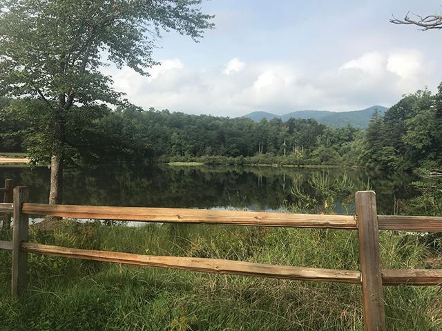 Can our #WCW be Mother Nature? I mean honestly...... its just a dream, isn't it?! We are so glad that we live in WNC! ⠀ ⠀ #WNC #lakepowhatancampground #lakepowhatan #asheville #mountianviews #sopretty #beauty #getoutside #thegreatoutdoors #latergram