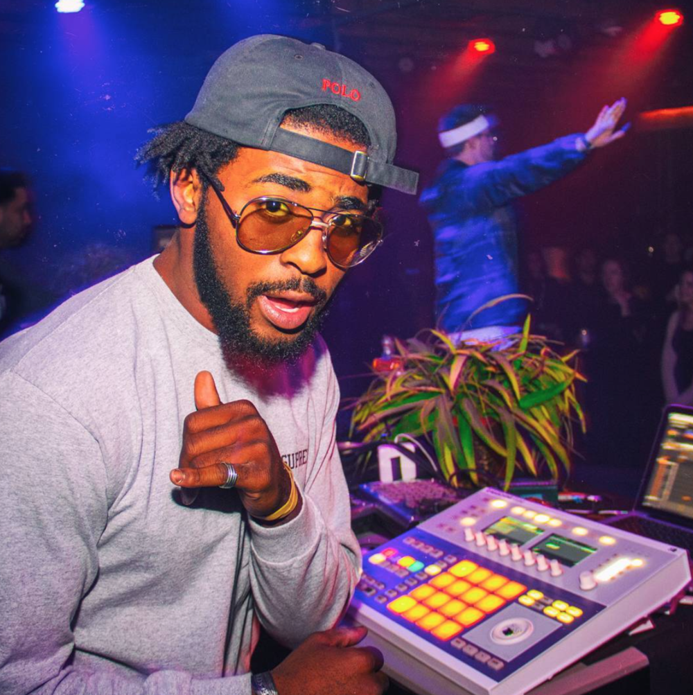 CHARLIE MUMBLES   Charlie Mumbles is an American Hip Hop Producer/DJ from Scottsdale, AZ. He is currently based out of Brooklyn, NY. Mumbles is the founder of Chop Records.