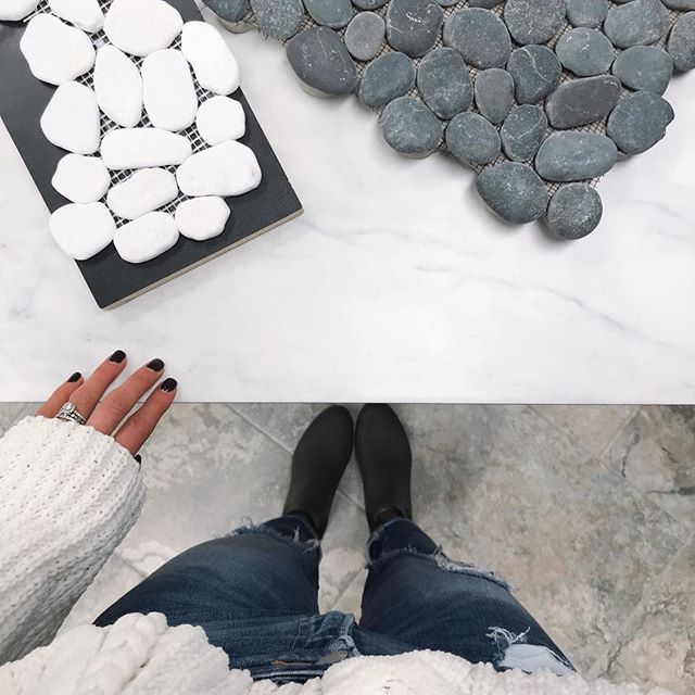 Workin' on some bathroom remodel action & this combo is giving me all the feelssss 😍 I'm thinking large tile throughout (the white) & either the white or dark grey stone as the backsplash for the in-set shelves...what do you guys think? White stones or grey? #bathroomremodel #ottercreekhomes