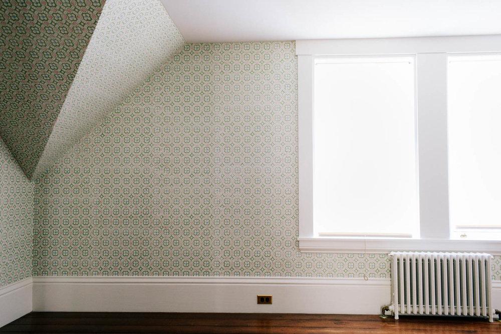 36 Jim_Wallpaper_US Back Bedroom-15JA4A9235-min.jpg