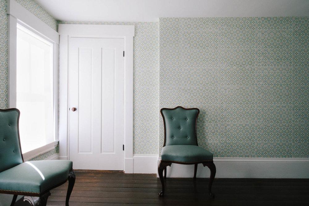 41 Jim_Wallpaper_US Front Bedroom-5JA2A9503-min.jpg