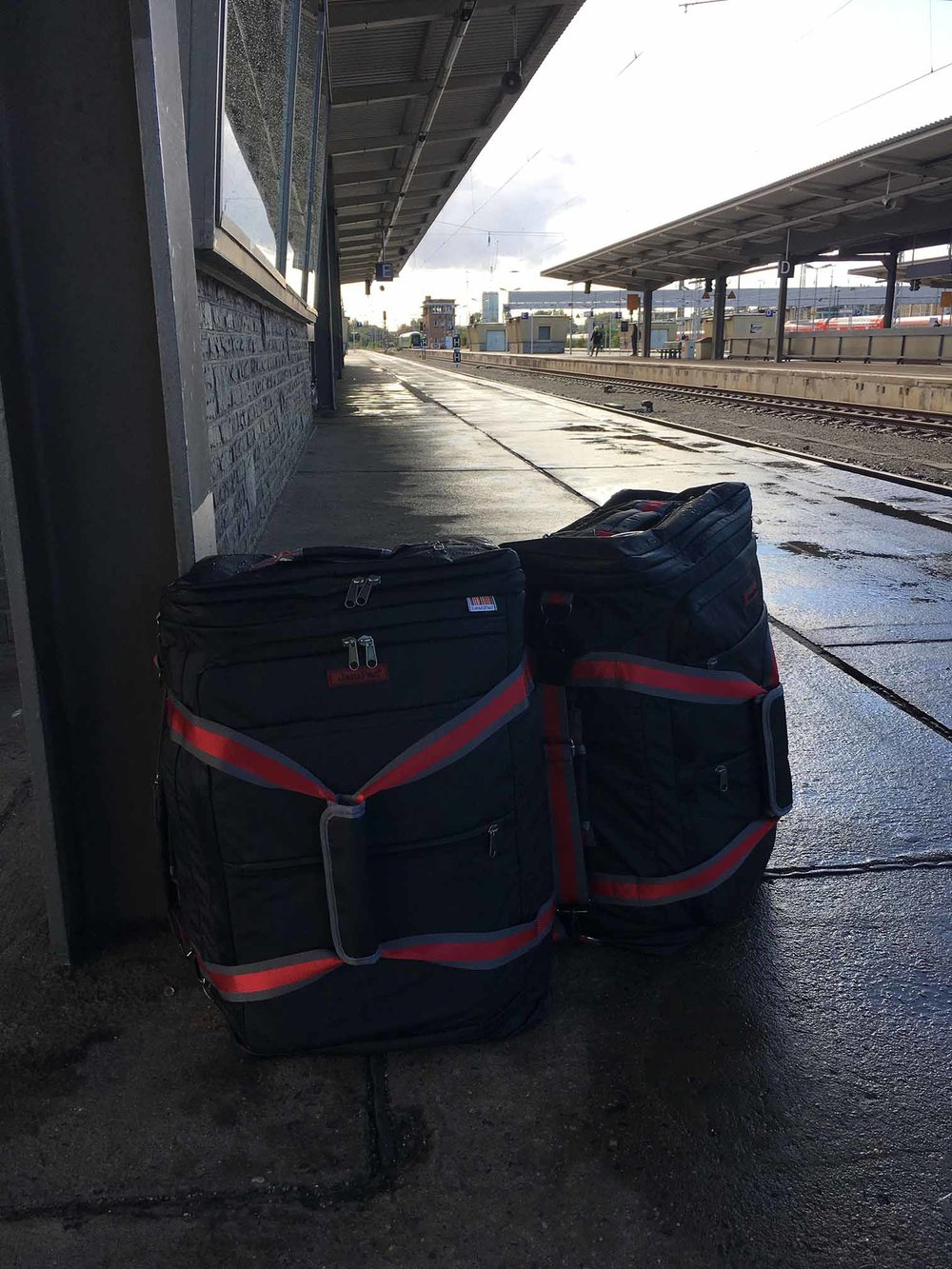 The stylish JamPac® keeps you mobile. Suitable for all types travels. Rugged use like here in Berlin? No worries, the waterproof exterior can take on the rain and proves to be an easy clean!