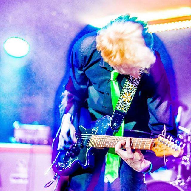 #electric #montecristo #live #show #pageau #cravate