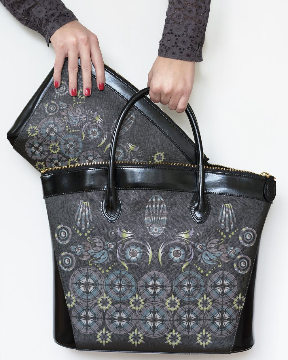 Large Tote and Clutch in black