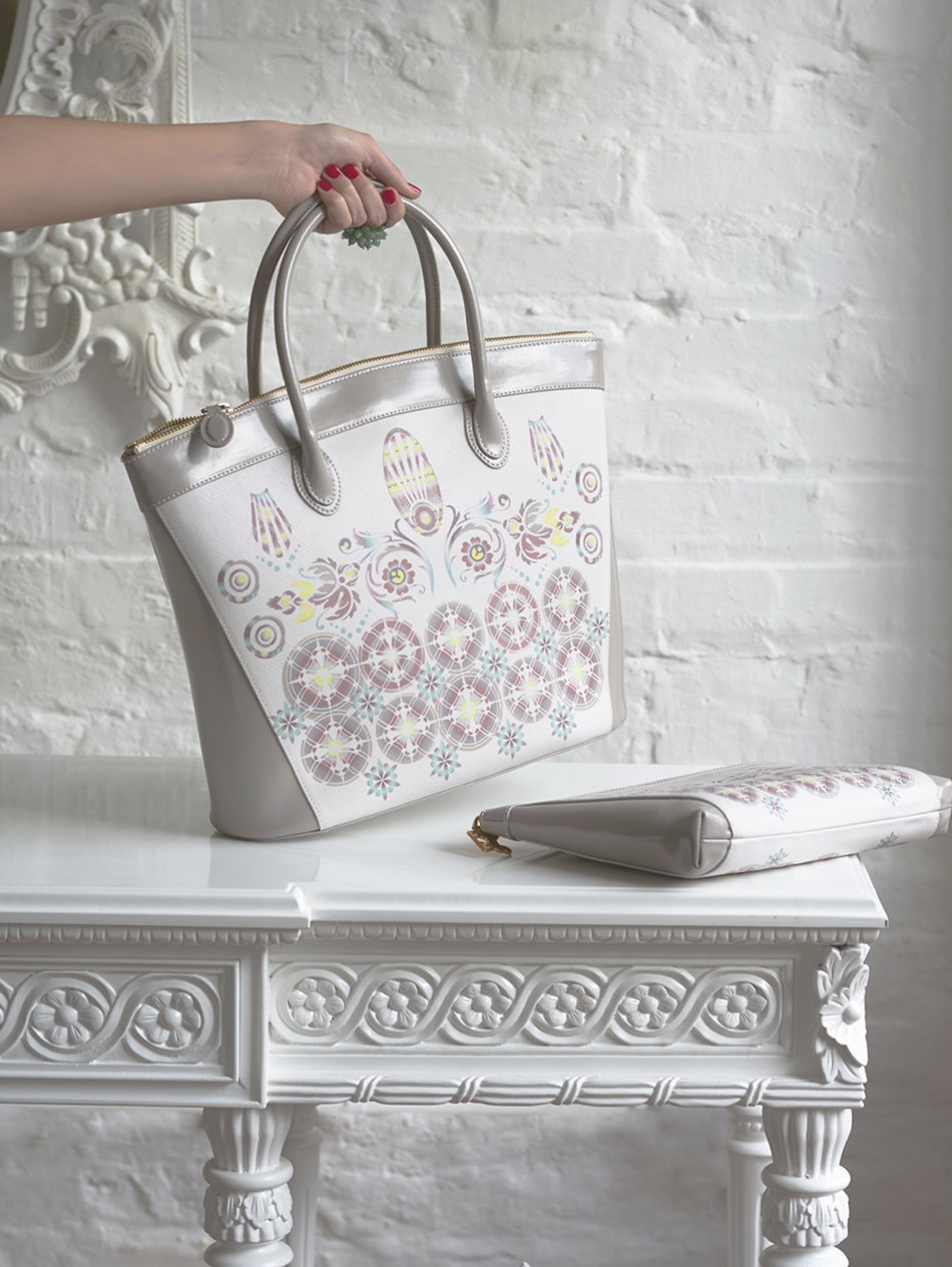 tote ivory taupe.jpg
