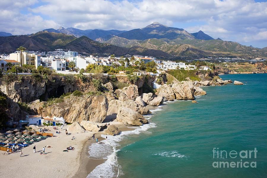 nerja-town-on-costa-del-sol-in-spain-artur-bogacki.jpg