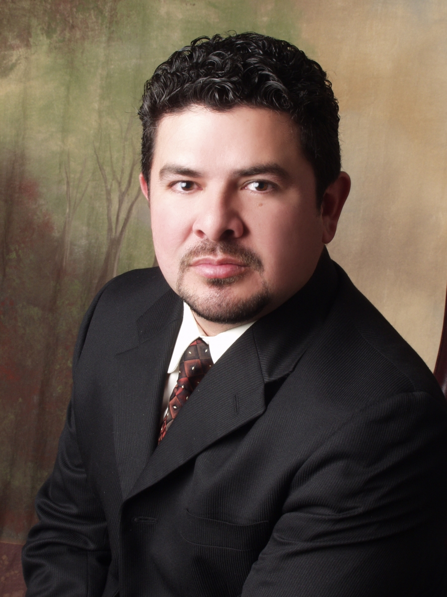 juan hernandez photo.jpg