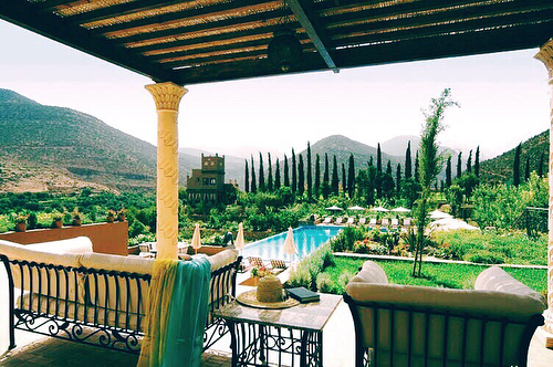 Planning another Moroccan 🇲🇦 getaway on this 🐪 #humpday and no trip is complete without a stop in the Atlas Mountains ⛰ Currently loving the Kasbah Tamadot ✌🏻#luxurytravelconcierge #tentwentytravel #honeymoon #luxurytravel #morocco