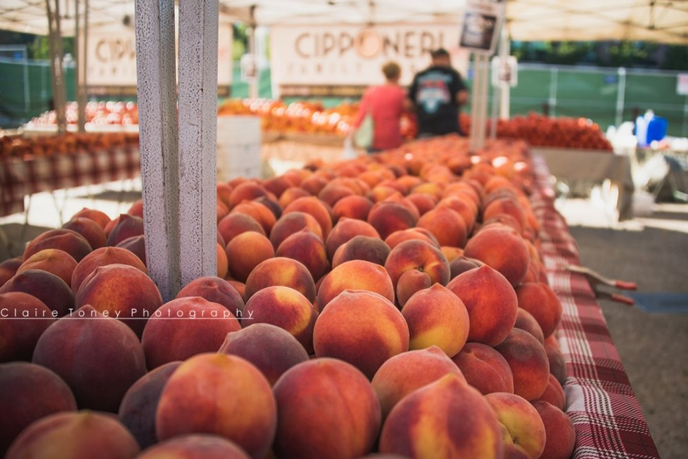 So many peaches at the Peach Festival at Old Folsom!