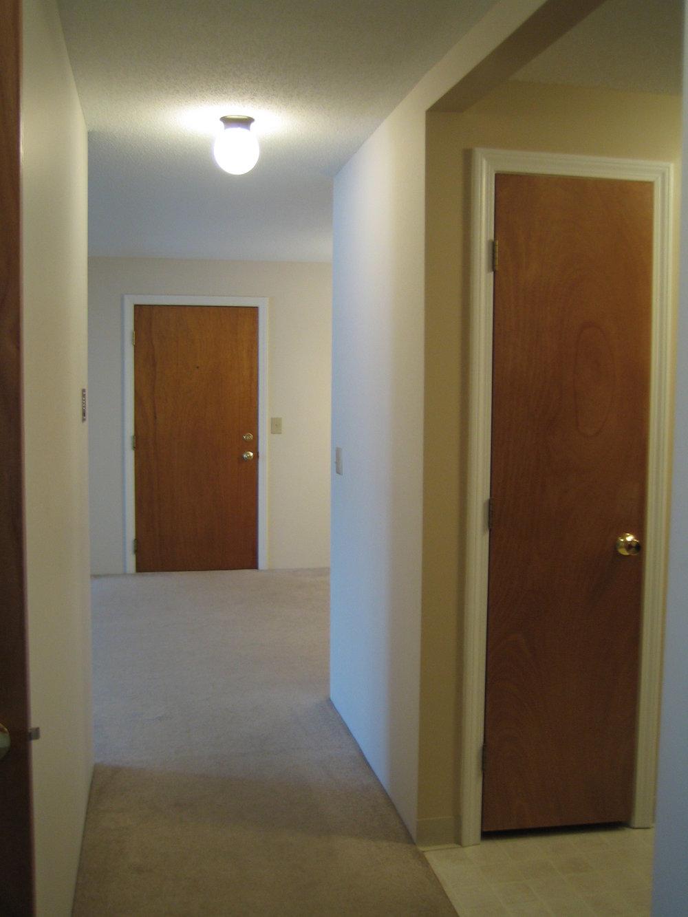mid hallway.JPG