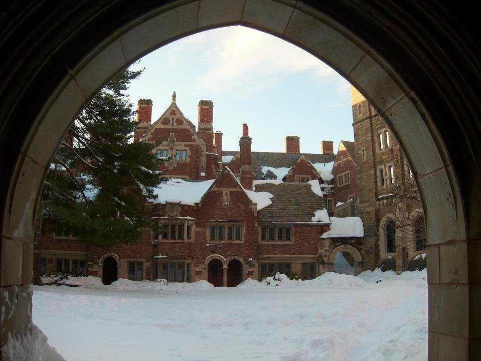 Yale-law-snow-1