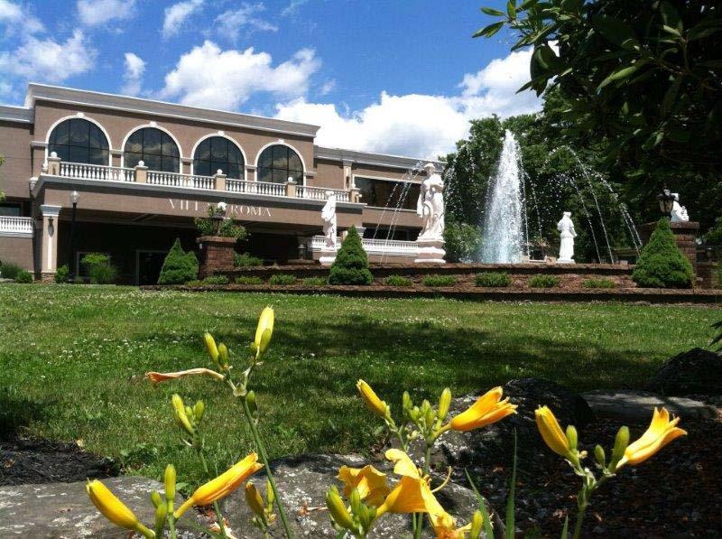Villa-Roma-Resort-Spring-Fountain-Main-Entrance.jpg