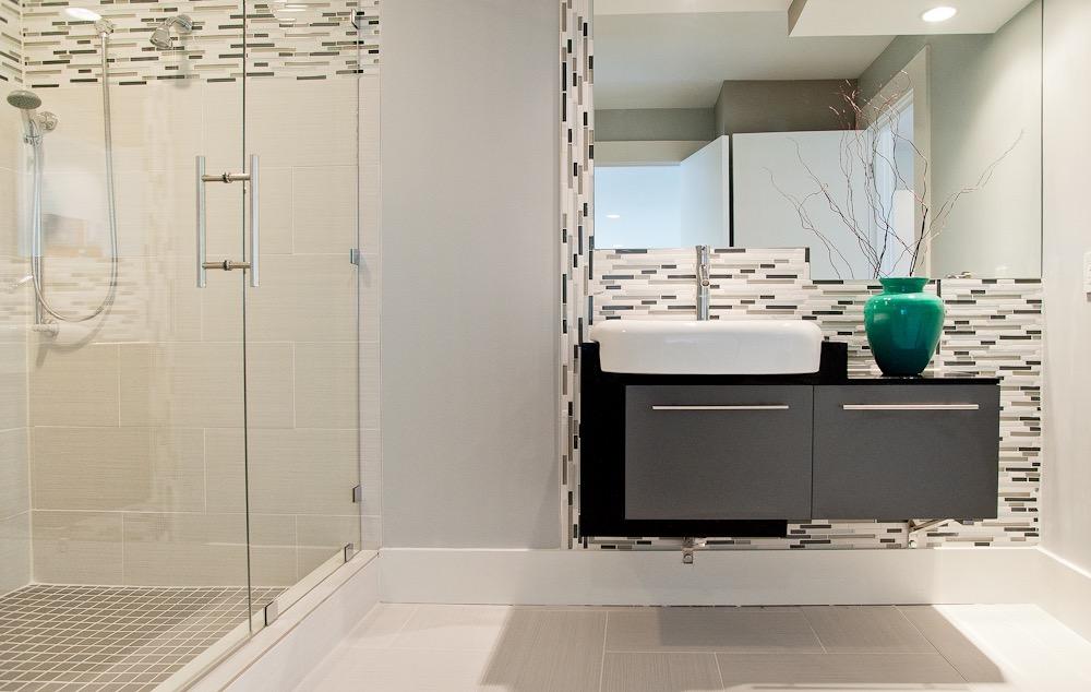 modern-spa-bath.jpg