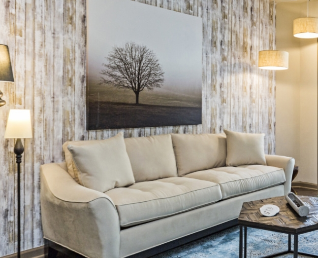 Wood-look-wallpaper-living-room-nashvilleinteriordesign-interiordesignnashville-atmosphere360studio-a360studiointeriors-interiordecorator.jpg