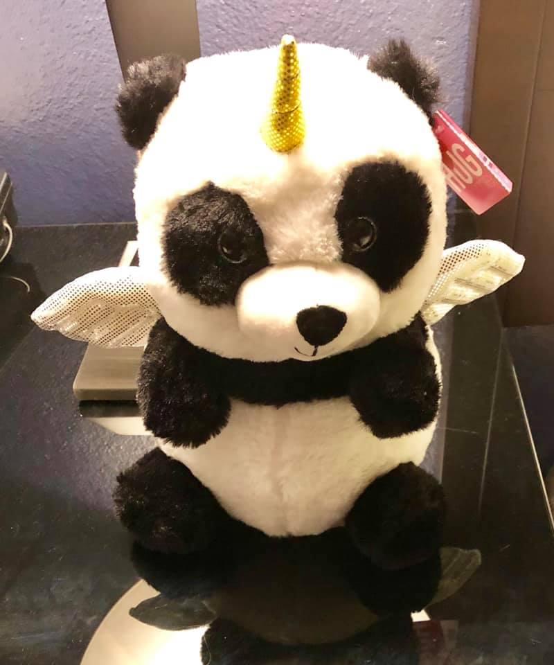 Bai Yun-icorn (White Cloud-icorn), Ellie's new pega-panda-corn.