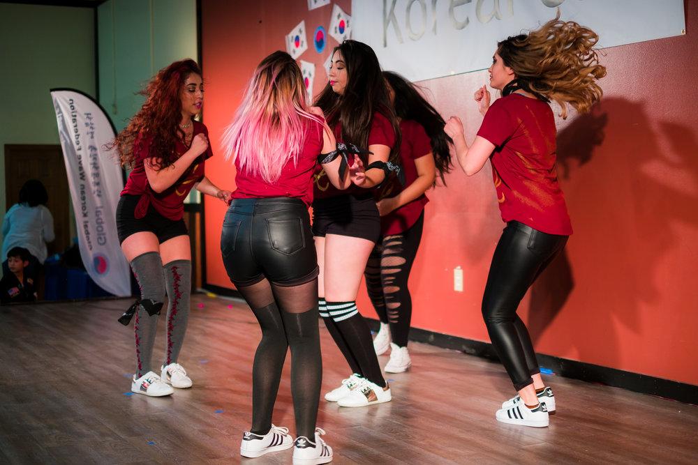 K-pop Dance -
