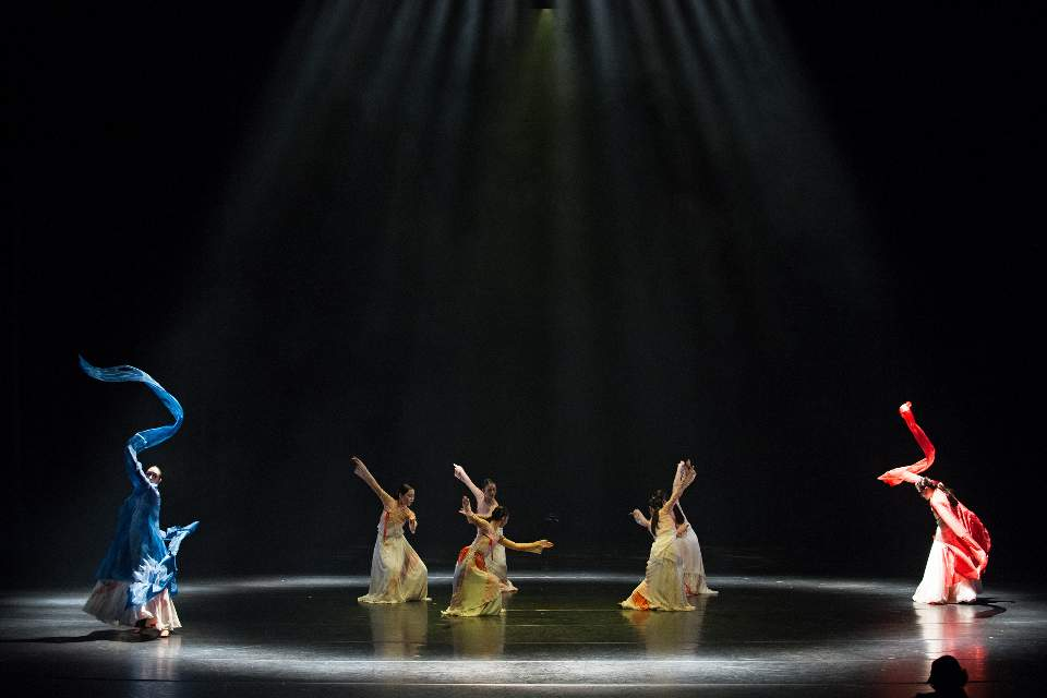 Professional Korean Dance Group coming from Korea - Lead by professor Youn Duck Kyung - Professor Youn will perform a solo during March 1st Independence Movement tribute. There will be a group drum dance using the hour glass shaped drums, and more.