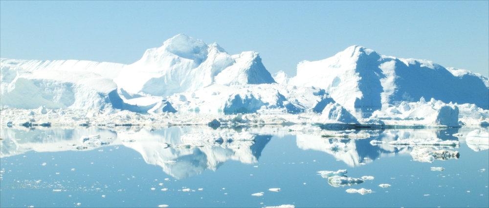 Frame 9 - Icebergs reflections.jpg