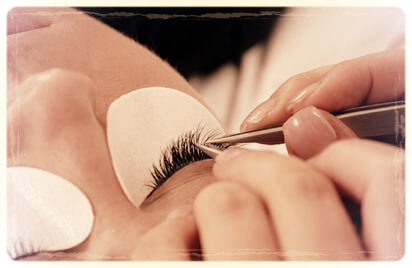 Eyelash-Extensions-Lifespan-Pros-Cons-and-After-Care-and-How-to-Remove-Lash-Extensions.jpg