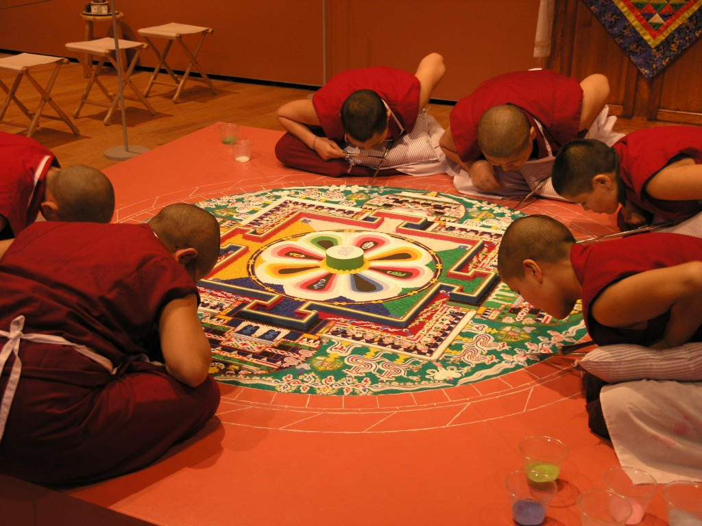 2005-circles-of-healing-installation-view