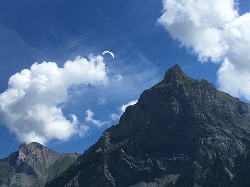 paragliding_kandersteg_switzerland.jpg