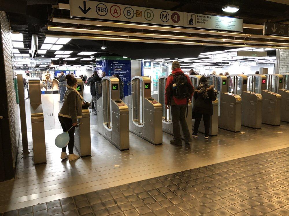 Paris_train_station_gates.jpg