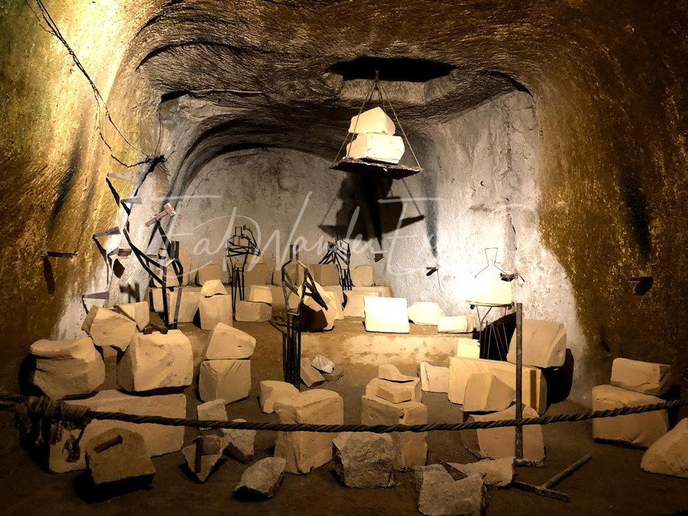 napoli underground rocks.jpg