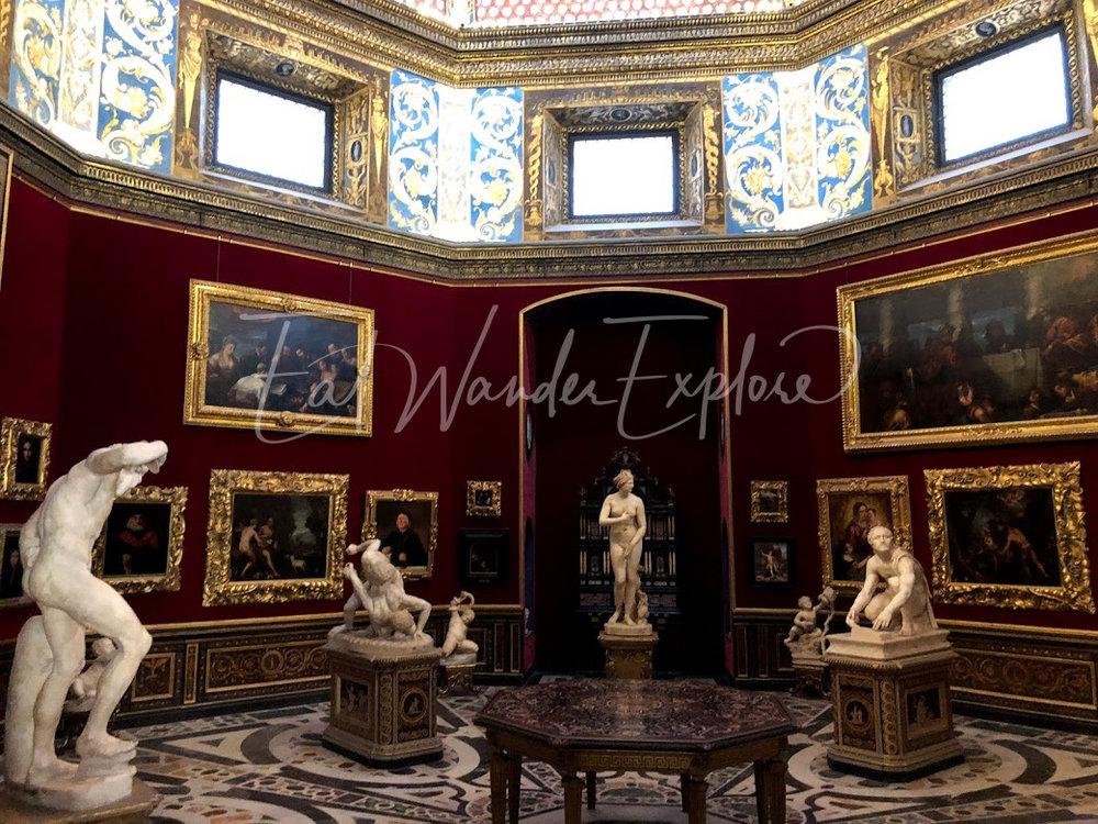uffizi gallery room.jpg